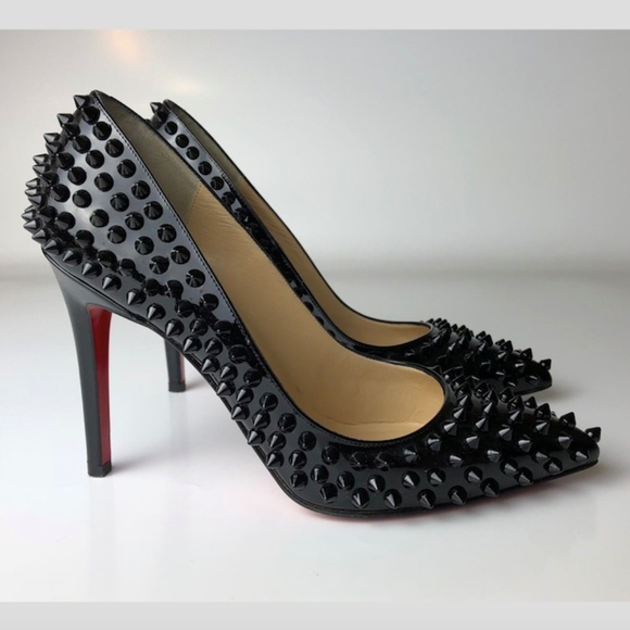 louboutin pigalle black spikes